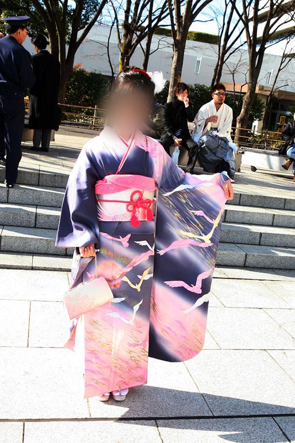 No.036しおり 振袖スナップ写真2