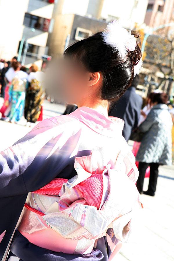 No.036しおり 振袖スナップ写真4