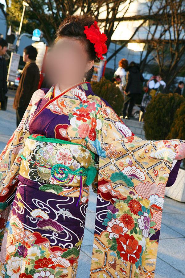 No.041なつ 振袖スナップ写真3
