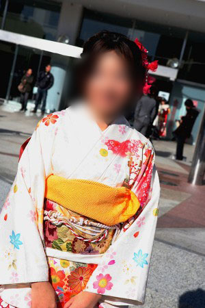 No.042なっこ 振袖スナップ写真1