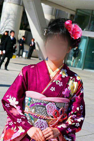 No.055モココ 振袖スナップ写真1