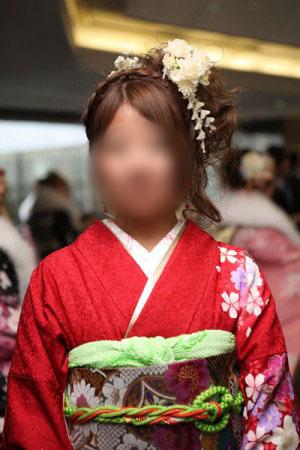 No.071おまみ 振袖スナップ写真1