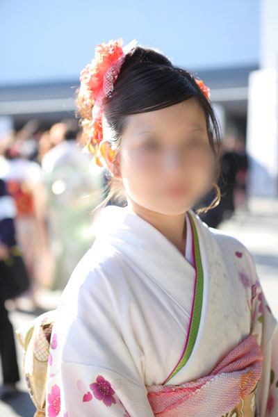 No.073きみ 振袖スナップ写真1