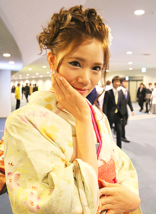 No.646 アミ 振袖スナップ写真1