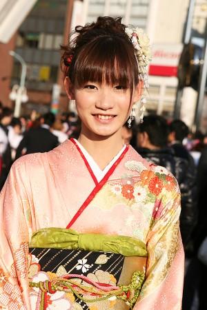 No.199アカネ 振袖スナップ写真1