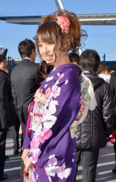 No.323アーサ 振袖スナップ写真3