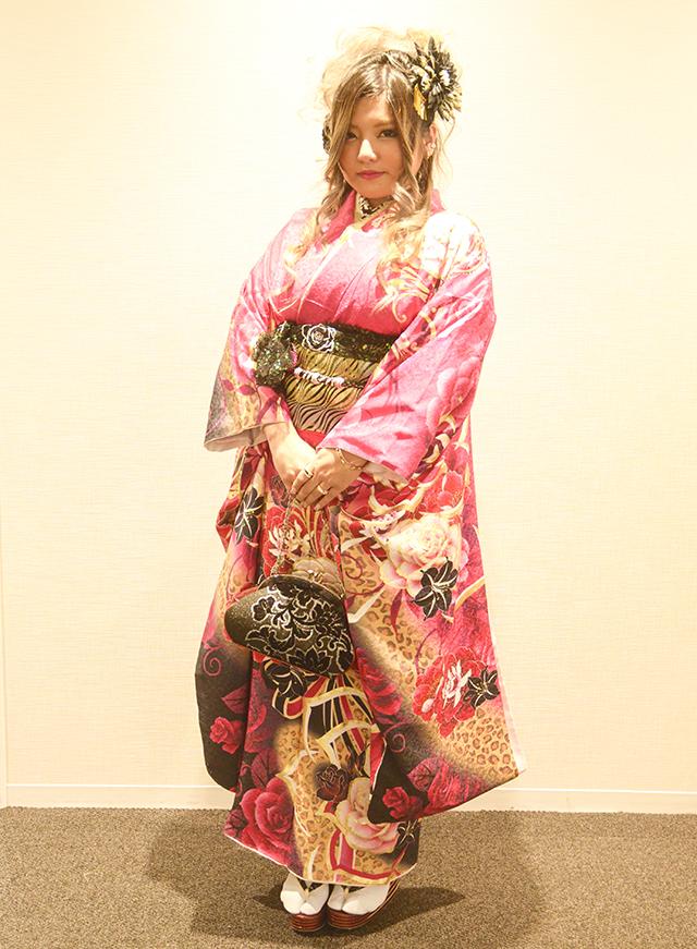 No.712ジュリエル 振袖スナップ写真2